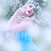 Model: Evelyn I Model