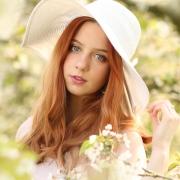 Model & MUA: Susi Kinzki
