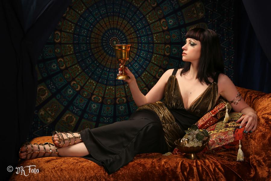 Model: Karoline Schnee, MUA: Susi Kinzki