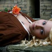 Model: Anne H.